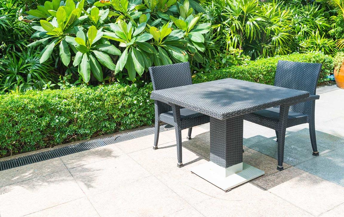 beautiful-paved-concrete-patio